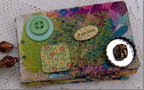 11-22-10-Cynthia-mini-scrapbook